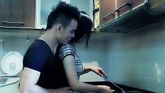 Yêu Em Anh Mới Lo - Lưu Chấn Long