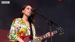 Right Now (Glastonbury 2017) - HAIM