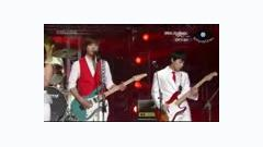 My Life Would Suck Without You (Live) - CNBlue,SNSD