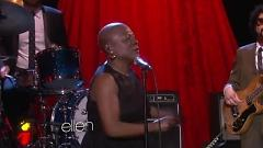 Stranger To My Happiness (Live At The Ellen Show) - Sharon Jones , The Dap-Kings