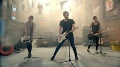 She Looks So Perfect - 5 Seconds Of Summer