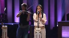 Suds In The Bucket (Live At The Grand Ole Opry) - Sara Evans