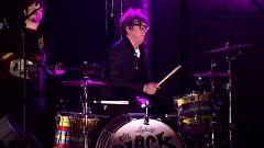 It's Up To You Now (Live At David Letterman) - The Black Keys