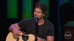 Dirt Road (Live At The Grand Ole Opry) - Kip Moore