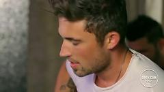 Real Men Love Jesus (Live From The Lounge) - Michael Ray