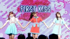 First Kiss (Debut Showcase) - Honey Popcorn