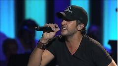 I Don't Want This Night To End (Live At The Grand Ole Opry) - Luke Bryan