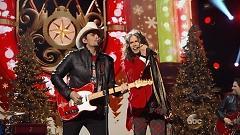 Run Rudolph Run (CMA Country Christmas 2014) - Brad Paisley , Steven Tyler