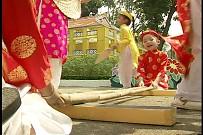 Múa Đàn - Bé Quỳnh Anh