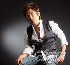 Lee Min Woo