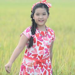 Bé Minh Thư