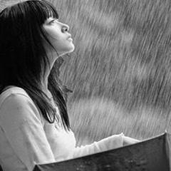 Những Ca Khúc Buồn Và Tâm Trạng Nhất Của Các Ca Sĩ Nữ